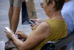 DENMARK_PHOTO FEATURES_LIFE CON GLI SMARTPHONES Fotografia Stock Libera da Diritti