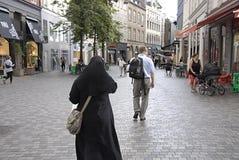 DENMARK_shoppers no kobmagergade Foto de Stock Royalty Free