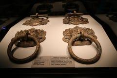 Denna är garneringen på porten av den forntida kinesiska slotten royaltyfri foto