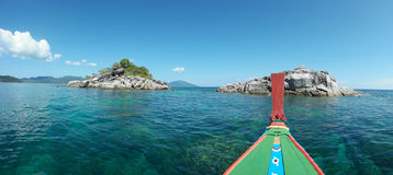denna łódź z Koh Lipe panoramą Obraz Stock
