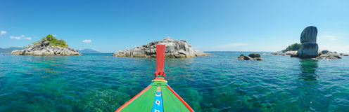 denna łódź z Koh Lipe panoramą Zdjęcia Royalty Free