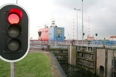 Denna śluza blokować przybywających i prześcigania statki Zdjęcie Royalty Free