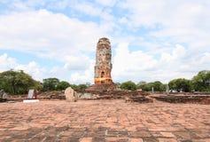 Denna tempel brändes ner av kriget, Wat Lokayasuttaram tidigare Royaltyfri Fotografi