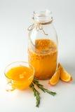 Dennego buckthorn napój z pomarańcze i rozmarynami Zdjęcia Royalty Free