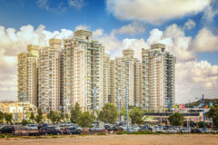 Dennej bramy budynków kompleks w Rishon LeZion Fotografia Royalty Free