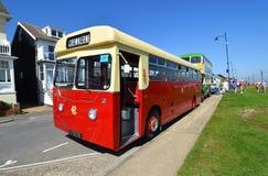 Dennis Lancet Bus d'annata sulla strada fotografie stock