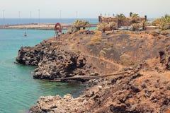 Denny wybrzeże blisko fortecznego San Jose Arrecife, Lanzarote, Hiszpania Obrazy Royalty Free