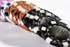 Denominações sortidos de microplaquetas de pôquer Imagem de Stock Royalty Free