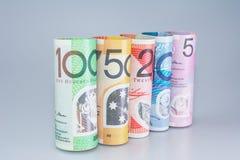 Denominaciones australianas del dinero rodadas imagen de archivo libre de regalías