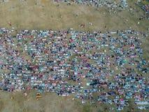 DENPASAR, BALI/INDONESIA- 5 GIUGNO 2019: La vista dall'aria della preghiera di Eid al-Fitr nel 2019 al campo di Puputan Renon Eid immagine stock
