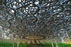 Densensoriska installationen för bikupa i Kew trädgårdar arkivfoto