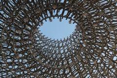 Densensoriska installationen för bikupa i Kew trädgårdar royaltyfri bild