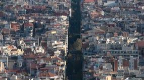 Densità architettonica e viale di Barcellona che tagliano i blocchi residenziali Immagini Stock