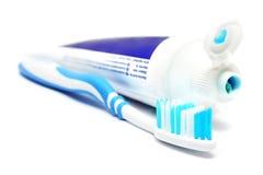 Dentífrico e toothbrush imagem de stock royalty free