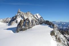 Dent du Geant, macizo de Mont Blanc, Italia fotografía de archivo