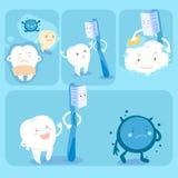 Dente bonito dos desenhos animados com escova de dentes Fotografia de Stock Royalty Free