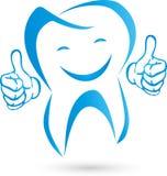 Dente com mãos e logotipo do sorriso, do dente e do dentista Fotos de Stock Royalty Free