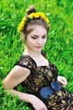 Dente-de-leão da mola adolescente foto de stock royalty free