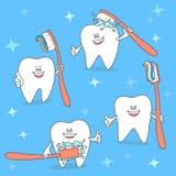 Dente dos desenhos animados com uma escova de dentes Ajuste da ilustração da odontologia Conceito de Toothbrushing ilustração royalty free