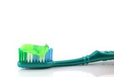 Dente-escova com pasta de dente Foto de Stock