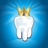 Dente na coroa dourada, no fundo azul Ilustração Royalty Free