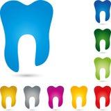 Dente no azul, na coleção dos dentes, no logotipo da odontologia, no dente e no logotipo dos cuidados dentários, ícone do dente ilustração stock