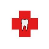 Dente in una croce rossa Fotografie Stock Libere da Diritti