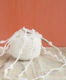 Dentelle de coton à crochet fait main et crochet de crochet organiques Métier créatif de couture, style de dentelle de Mori Girl  Photo stock