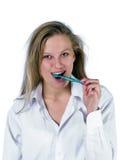 Dentes de escovadela da mulher fotos de stock royalty free