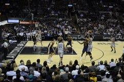 Dentes retos contra Cavs - jogo de NBA Fotos de Stock