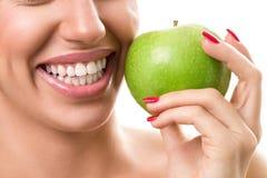 Denti bianchi sani immagine stock