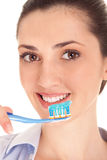 Denti di spazzolatura Immagini Stock