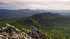 Denti marcati della cresta della montagna immagini stock libere da diritti