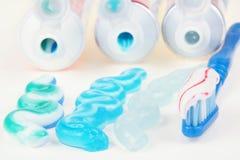 dentifricio in pasta Immagini Stock