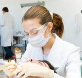 Dentista de la mujer Fotos de archivo