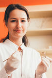 Dentista de sexo femenino Imagen de archivo libre de regalías