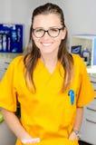 Dentista de sexo femenino With Tools Fotos de archivo libres de regalías