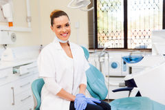 Dentista no escritório Fotos de Stock Royalty Free