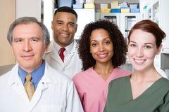 Dentistas y enfermeras dentales Imágenes de archivo libres de regalías