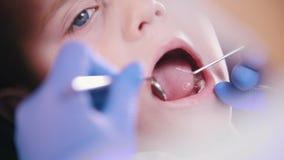 dentistry  Fin vers le haut banque de vidéos