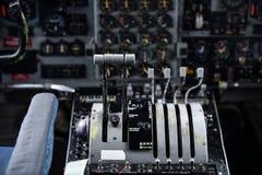 Dentro da cabina do piloto de um plano militar Imagem de Stock Royalty Free