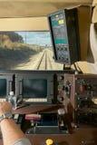 Dentro da cabine de motoristas de um trem movente Fotografia de Stock Royalty Free