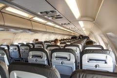 Dentro da cabine de um avião foto de stock royalty free