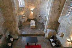 Dentro da capela do castelo de Corvin em Hunedoara, Romênia imagens de stock royalty free