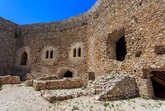 Dentro da fortaleza de Chlemoutsi nos Ilia, Peloponnese Imagens de Stock