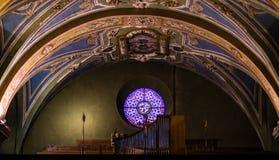 Dentro da igreja Fotos de Stock