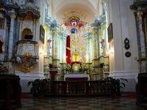 Dentro da igreja Católica Imagens de Stock Royalty Free