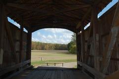 Dentro da ponte coberta Fotografia de Stock