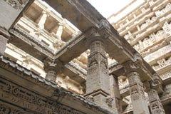 Dentro de caminado bien de Patan, la India Fotos de archivo