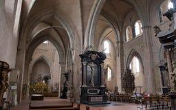 Dentro de catedral del Trier Imagenes de archivo